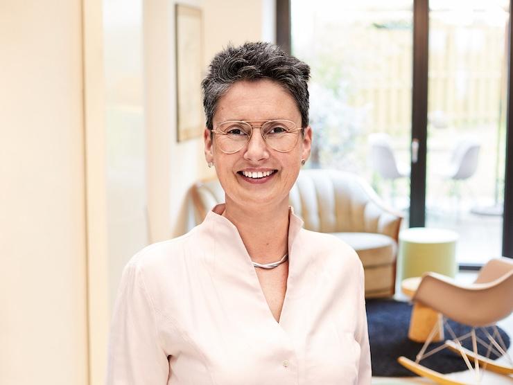 Jennifer Rolle Management Consultant